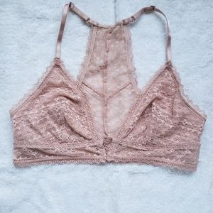 VS Lace Bralette Peach Medium Front Close Clasp